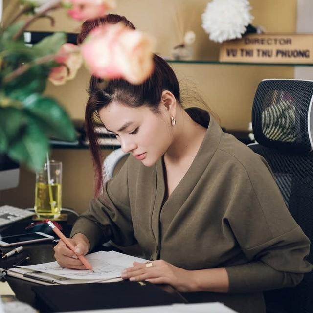 Siêu mẫu Vũ Thu Phương - từ người nổi tiếng trong làng mẫu Việt tới nữ doanh nhân thích đi ngược dòng: Sống mà không có sự nghiệp riêng trong đời là điều đáng tiếc! - Ảnh 4.