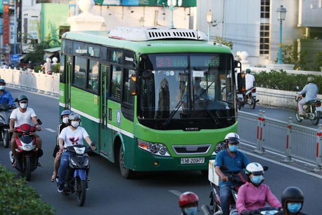 Tăng tốc đấu thầu xe buýt - Ảnh 1.