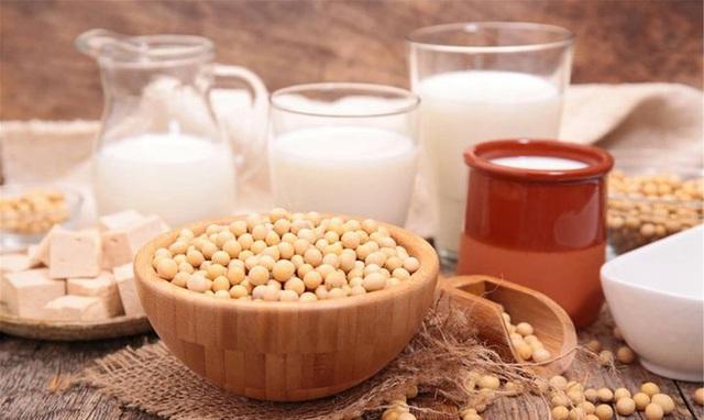 Phụ nữ sau 35 tuổi hãy nhớ: Ăn ít 5 loại thực phẩm, làm 3 điều và uống 2 loại nước, giúp ngừa suy buồng trứng, bảo vệ tử cung, tăng tuổi thọ - Ảnh 6.