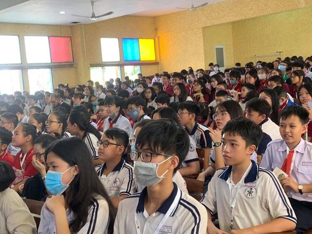 Sở GD-ĐT TP HCM đề xuất học sinh tạm dừng đến trường từ ngày 10-5  - Ảnh 1.