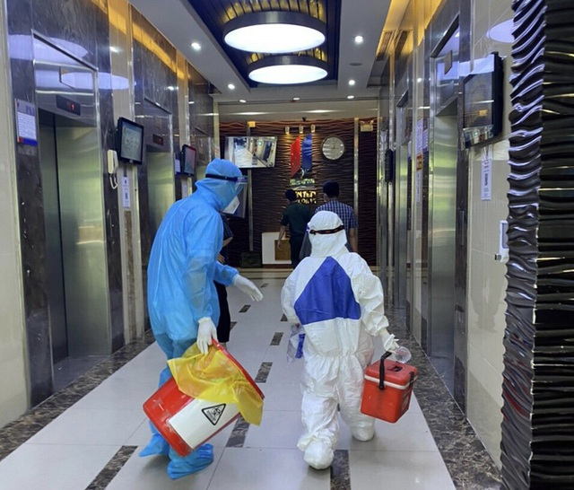 Một người làm việc tại toà nhà Center Building - Hapulico ở quận Thanh Xuân dương tính SARS-CoV-2 - Ảnh 1.