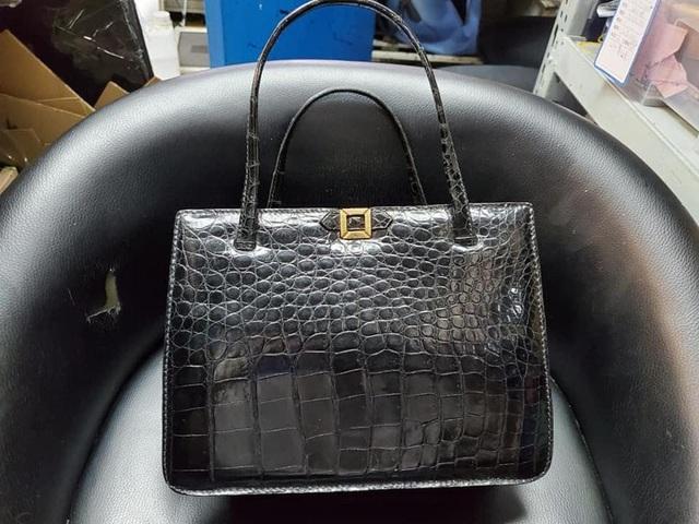 Kỳ lạ nghề sửa chữa đồ hiệu ở Hong Kong: Từ túi xách LV, Chanel đến Hermes, không gì làm khó được người thợ, khách hàng sẵn sàng trả tiền triệu và chờ đợi cả năm - Ảnh 10.