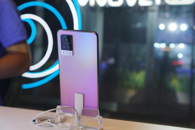 Smartphone chuyên selfie tích hợp 5G giá 10 triệu tại Việt Nam - Ảnh 1.