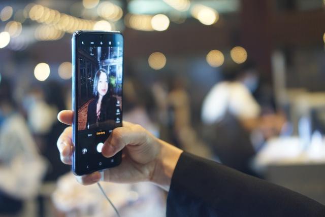 Smartphone chuyên selfie tích hợp 5G giá 10 triệu tại Việt Nam - Ảnh 9.