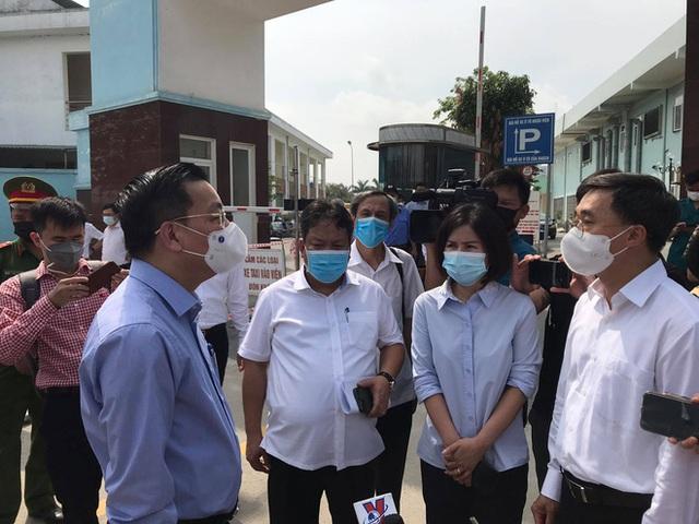 Thứ trưởng Bộ Y tế thông tin chi tiết ca F0 đầu tiên lây Covid-19 cho 9 ca khác ở Bệnh viện K Tân Triều - Ảnh 1.