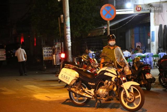 Ảnh: Hiện trường vụ cháy kinh hoàng khiến 7 người mắc kẹt tử vong thương tâm ở Sài Gòn - Ảnh 4.