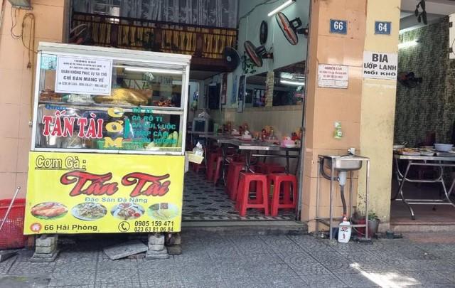 Hàng quán Đà Nẵng dọn sạch bách bàn ghế, treo biển chỉ bán mang về - Ảnh 7.