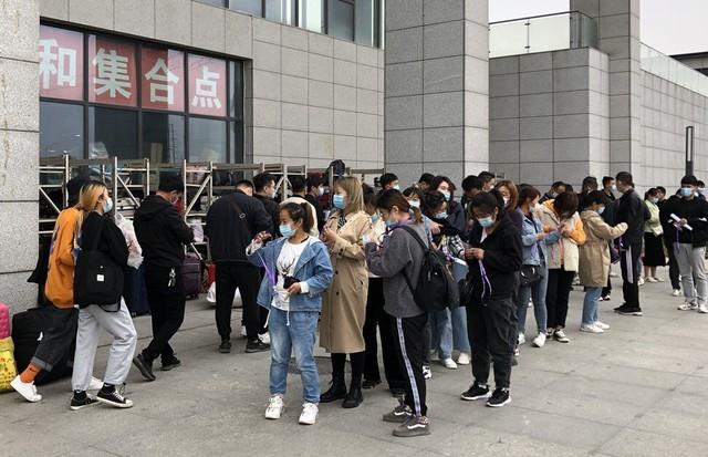 Foxconn tăng lương thưởng ồ ạt cho công nhân, chuẩn bị sản xuất iPhone 13