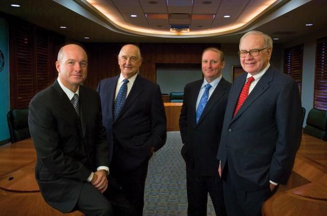 Những điều cần biết về Greg Abel, người sẽ kế vị Warren Buffett tại Berkshire Hathaway - Ảnh 3.