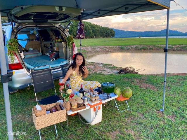 Cặp vợ chồng biến ô tô thành lều trại đi camping khắp nơi, tiện đâu ngủ đó mà sang trọng không thua khách sạn - Ảnh 5.