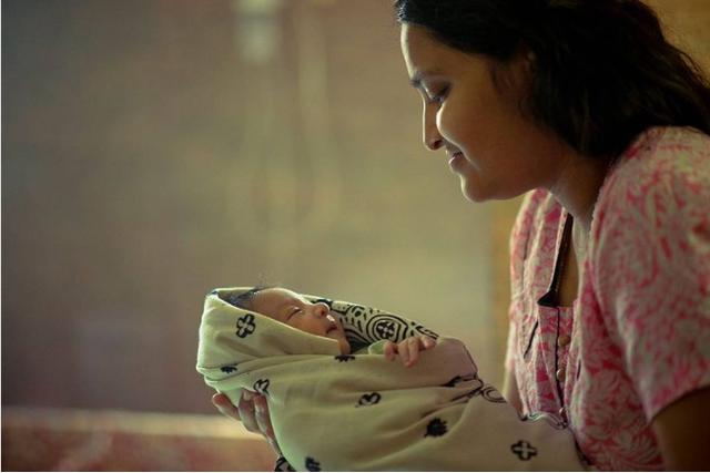 Những bức ảnh của khoảnh khắc tình mẫu tử chứng minh làm mẹ là công việc quan trọng và thiêng liêng nhất trên thế giới! - Ảnh 1.