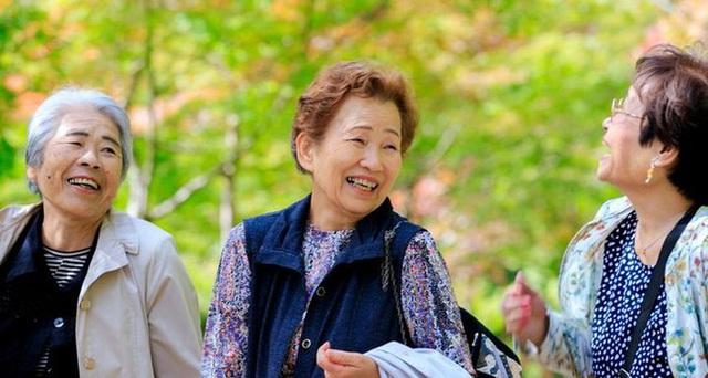 7 bí quyết sống thọ trăm tuổi mà không mất trí nhớ của người Nhật Bản, rất đáng để học hỏi - Ảnh 1.