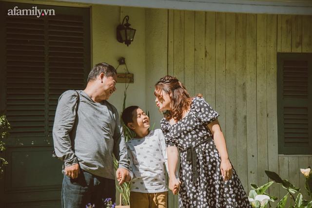 Gặp gỡ người phụ nữ hạnh phúc với hành trình làm mẹ không dễ dàng có cậu con trai tự kỷ 9 tuổi nói tiếng Anh như gió - Ảnh 4.