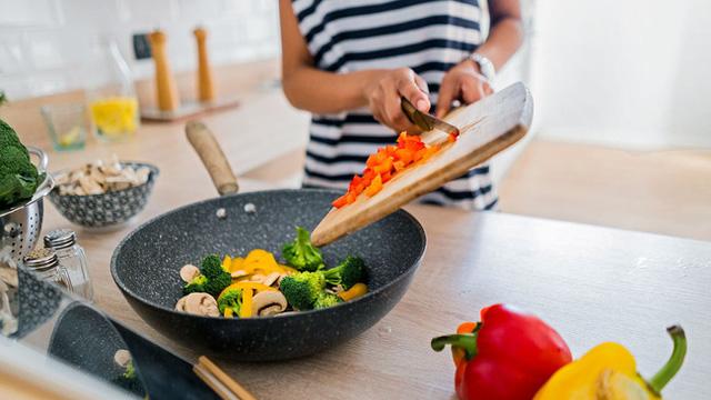 Chế độ ăn ảnh hưởng thế nào đến chức năng của hệ miễn dịch và lời giải thích từ chuyên gia - Ảnh 3.