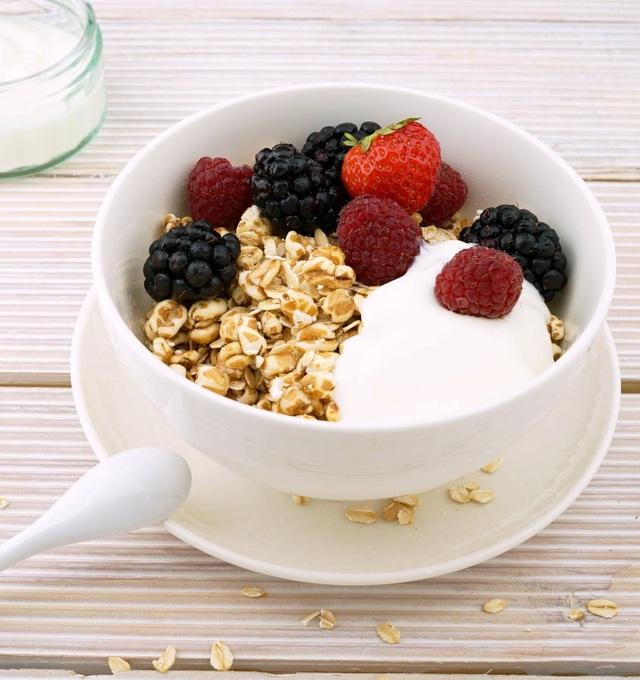 Đừng bao giờ phạm phải sai lầm này khi ăn sữa chua vì có thể khiến bạn đau dạ dày, tăng cân nhanh hoặc làm mất dinh dưỡng - Ảnh 4.