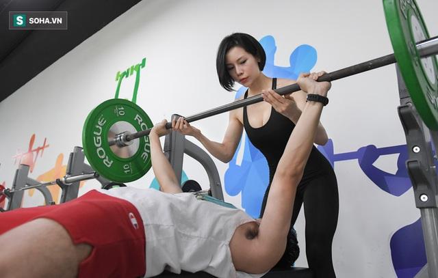 Nữ gymmer xinh đẹp làm việc 15 giờ/ngày, kiếm 200 triệu đồng mỗi tháng - Ảnh 2.