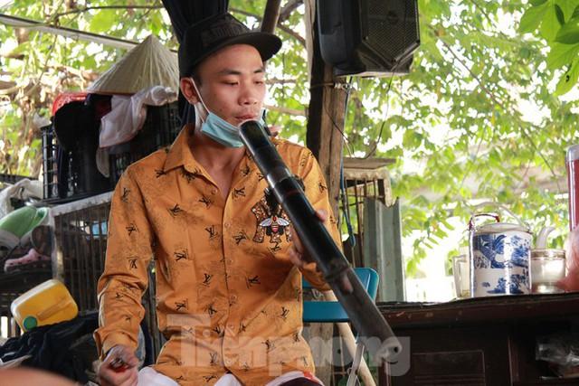 Người dân khu lao động Long Biên khốn đốn trong nắng nóng đổ lửa  - Ảnh 9.