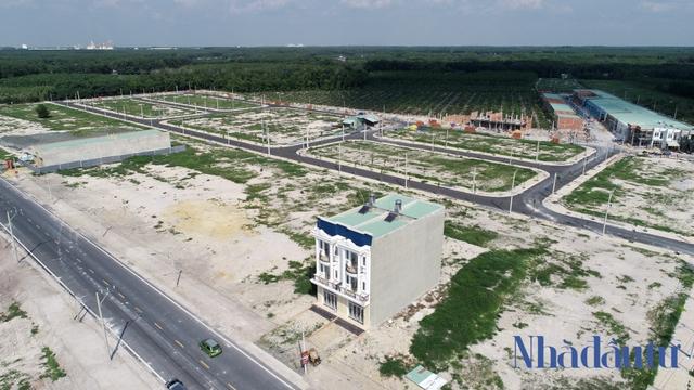 Điểm danh các dự án pháp lý chưa đầy đủ đã mở bán rầm rộ tại Bình Phước - Ảnh 2.