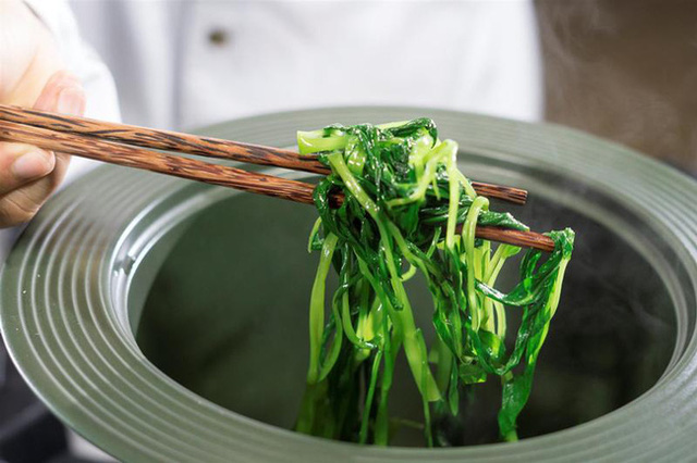 4 thực phẩm nếu đem luộc sẽ bổ dưỡng không kém gì thần dược, biết tận dụng còn giúp giảm cân nhanh  - Ảnh 1.