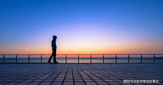 Những người có tuổi thọ ngắn thường có 3 đặc điểm này khi đi bộ, sau 45 tuổi hy vọng bạn không mắc phải bất kì điểm nào - Ảnh 3.