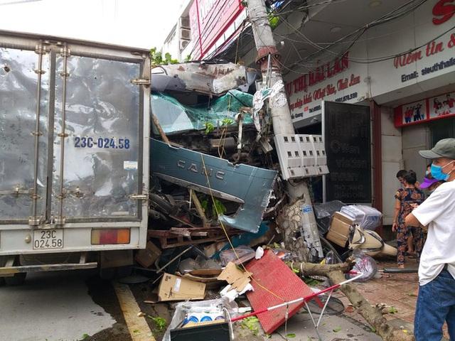 Tài xế container đánh lái cứu 2 người, tông vào nhiều nhà dân xin dừng nhận tiền hỗ trợ - Ảnh 4.