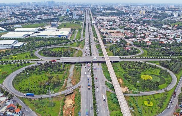 Những dự án giao thông nghìn tỷ có thể làm dậy sóng BĐS vùng ven Tp.HCM - Ảnh 2.