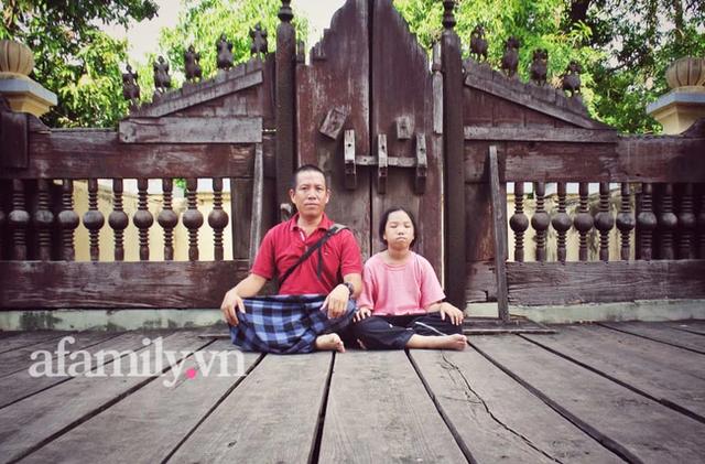 Ông bố đưa con đi du lịch từ nhỏ: 12 tuổi phượt Myanmar, nói tiếng Anh hơn sinh viên đại học và bí quyết gia đình chung nhịp thở - Ảnh 1.
