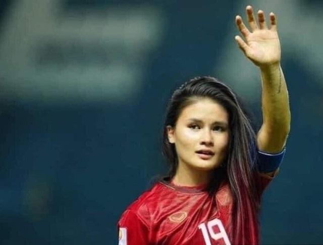 Ảnh chế hài hước: Cầu thủ ĐT Việt Nam hóa mỹ nhân hút hồn trước trận gặp ĐT Malaysia tối nay - Ảnh 1.