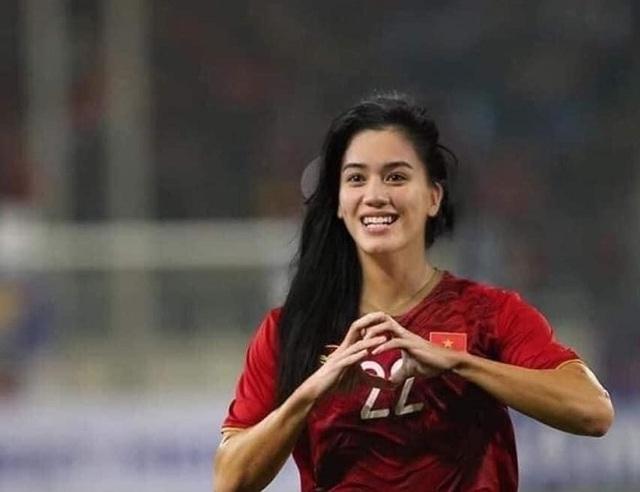 Ảnh chế hài hước: Cầu thủ ĐT Việt Nam hóa mỹ nhân hút hồn trước trận gặp ĐT Malaysia tối nay - Ảnh 4.