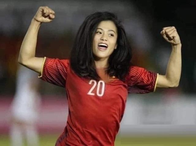 Ảnh chế hài hước: Cầu thủ ĐT Việt Nam hóa mỹ nhân hút hồn trước trận gặp ĐT Malaysia tối nay - Ảnh 6.