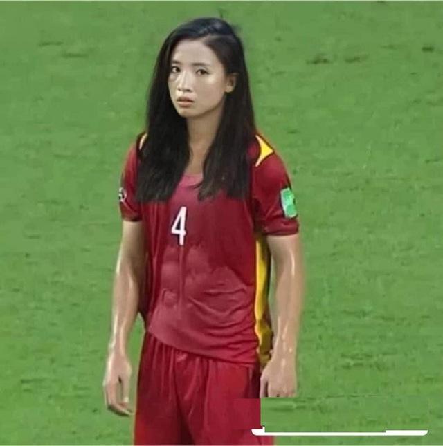 Ảnh chế hài hước: Cầu thủ ĐT Việt Nam hóa mỹ nhân hút hồn trước trận gặp ĐT Malaysia tối nay - Ảnh 8.