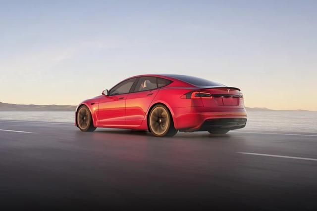 Tesla bắt đầu bàn giao siêu sedan Model S Plaid: mạnh 1.020 mã lực, tăng tốc 1-100 km/h trong dưới 2 giây, giá từ 131.000 USD - Ảnh 2.