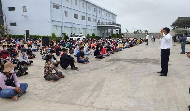 1.000 công nhân Campuchia chạy trốn xét nghiệm COVID-19: Người bệnh lấy người khỏe làm lá chắn - Ảnh 1.