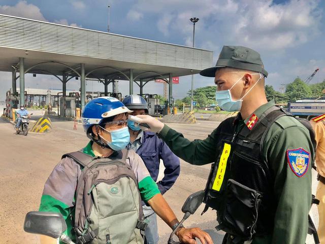 Đồng Nai thông báo khẩn ai tới khám Bệnh viện Bệnh nhiệt đới khai báo y tế - Ảnh 1.