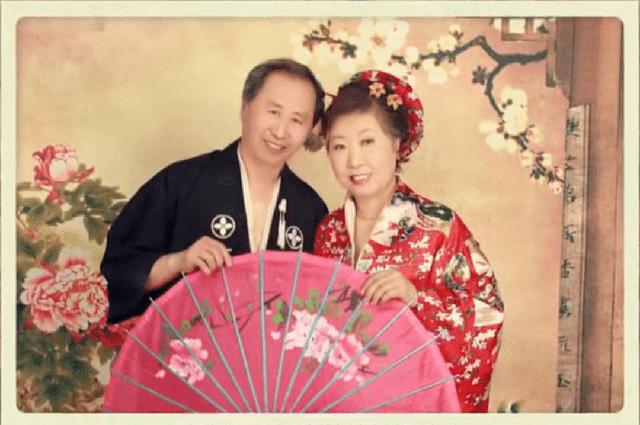 Người đàn ông 76 tuổi lái xe đưa vợ bị ung thư đi du lịch khắp Trung Quốc trong hơn 20 năm: Phép màu và sự kỳ diệu của tình yêu đã vượt qua cả căn bệnh tử thần - Ảnh 3.