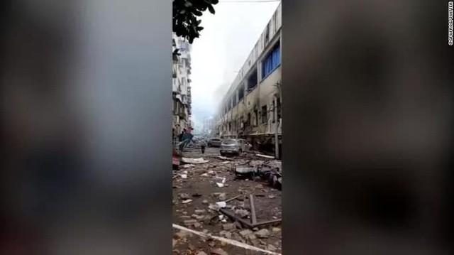 Trung Quốc: Nổ ống dẫn khí gas, hàng trăm người thương vong  - Ảnh 1.