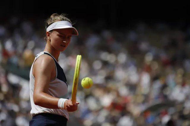 Chân dung nữ hoàng Roland Garros 2021  - Ảnh 10.