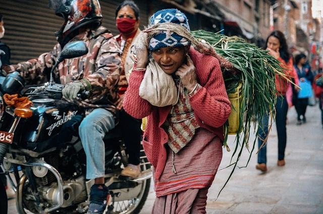 Cái nghèo biến cuộc đời của một người trở nên khốn khổ thế nào? Những câu chuyện dưới đây sẽ khiến bạn phải khắc cốt ghi tâm - Ảnh 3.