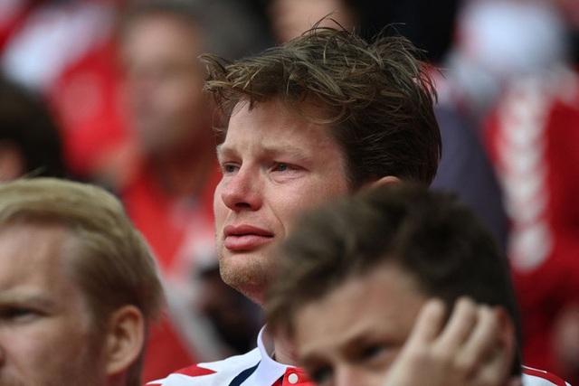 Hãy mỉm cười vì Eriksen được cứu sống, và vì tình người thật đẹp trên sân bóng ngày hôm qua! - Ảnh 4.