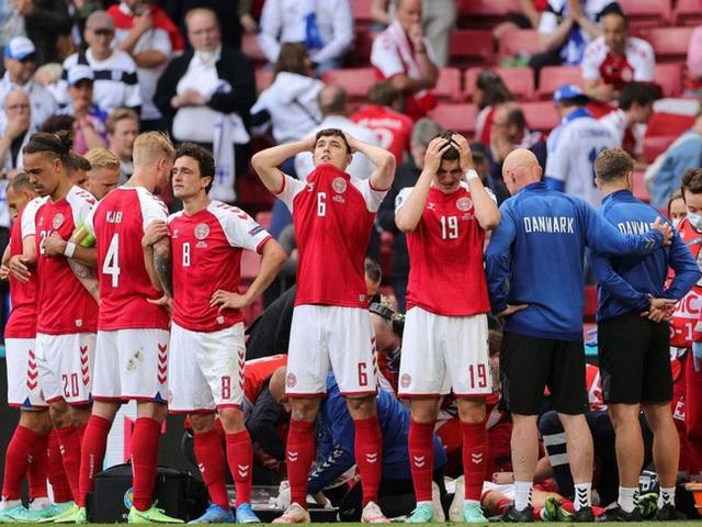 Cầu thủ Christian Eriksen bất ngờ đổ gục xuống sân trong khi đang thi đấu: Quy trình cấp cứu chuyên nghiệp đã giúp anh chiến thắng tử thần - Ảnh 7.