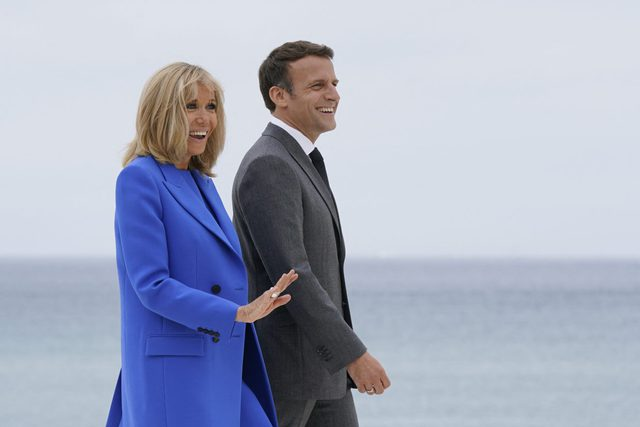 Không phải Công nương Kate, Đệ nhất phu nhân Pháp mới là người chiếm spotlight với vẻ ngoài hoàn hảo cùng một chi tiết đáng ghen tỵ - Ảnh 6.