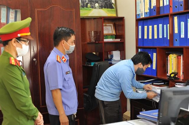 Truy tố 12 bị can trong vụ án sai phạm đấu thầu thuốc tại Sở Y tế Đắk Lắk - Ảnh 2.
