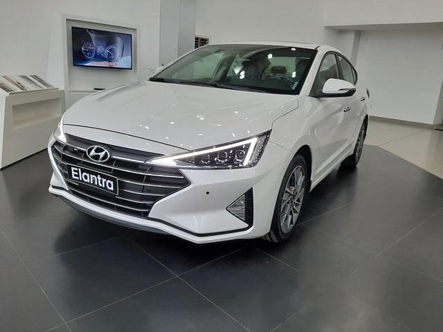Hyundai Elantra, Kona giảm giá 15-40 triệu tại Việt Nam - Ảnh 2.