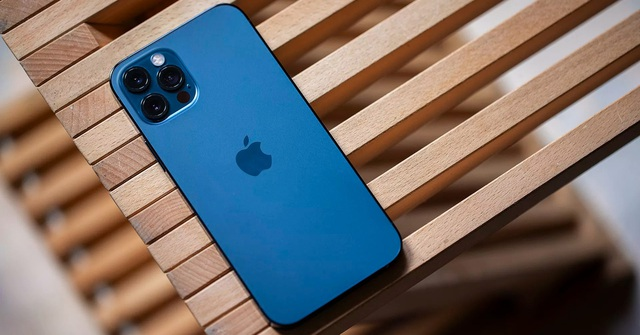 iPhone 12 Pro Max, Galaxy Note 20 Ultra, iPhone 11,... đồng loạt rớt giá mạnh - Ảnh 2.