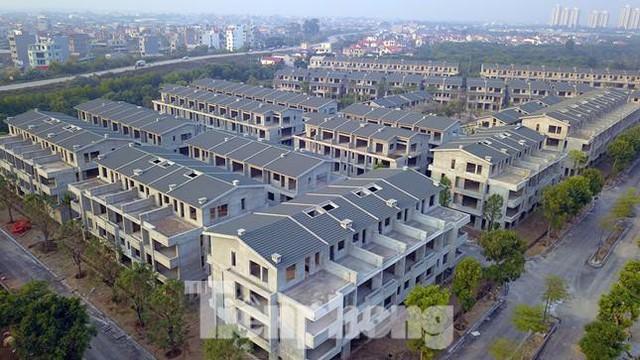 Hưng Yên tìm chủ mới để hợp thức hơn 200 biệt thự Vạn Tuế-Sago Palm xây chui, bán sai  - Ảnh 1.