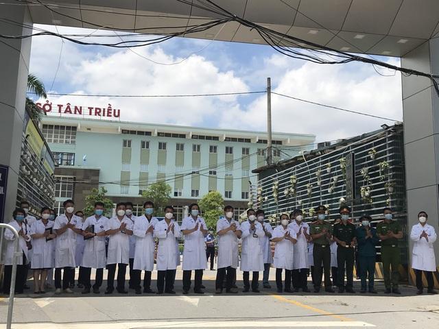 Trưa ngày 14/6, Bệnh viện K kết thúc cách ly phòng chống dịch COVID-19  - Ảnh 4.