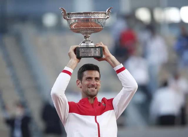 Djokovic vô địch Roland Garros 2021 sau màn ngược dòng thắng ngoạn mục - Ảnh 9.
