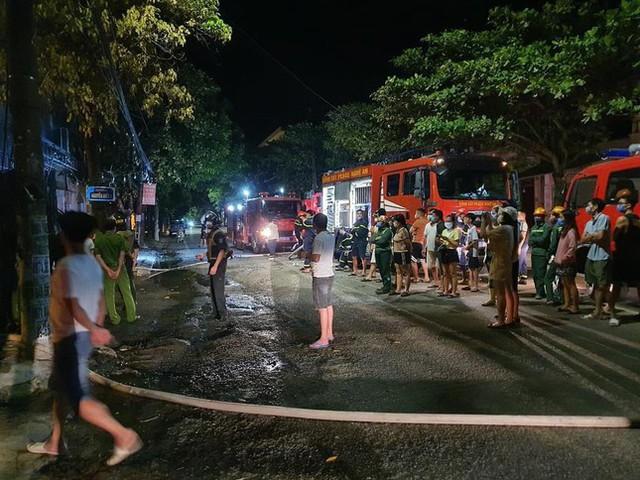 Phòng trà ở Nghệ An phát hỏa trong đêm, 6 người tử vong  - Ảnh 2.