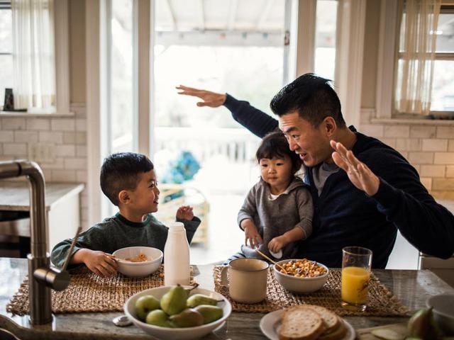 Nghiên cứu của ĐH Harvard: Con thông minh không chỉ do gen, đây là người có ảnh hưởng nhiều nhất tới chỉ số IQ của trẻ khi trưởng thành - Ảnh 1.