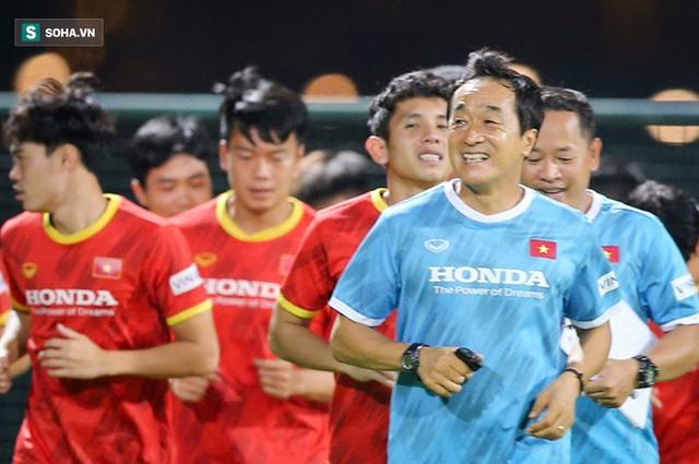Phó tướng hóa ra đã thay HLV Park Hang-seo chỉ đạo ĐTVN thi đấu từ lâu! - Ảnh 2.